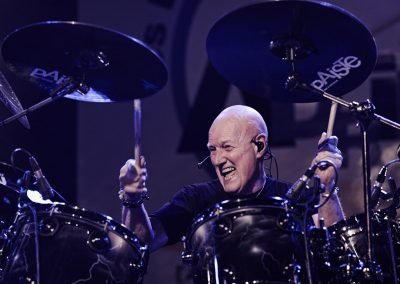 Chris Slade, batteur de Timeline, en concert – Photo Régis Lelièvre – 2017