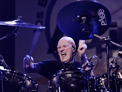 Chris Slade, le mythique batteur d'AC/DC – Photo Régis Lelièvre – 2017